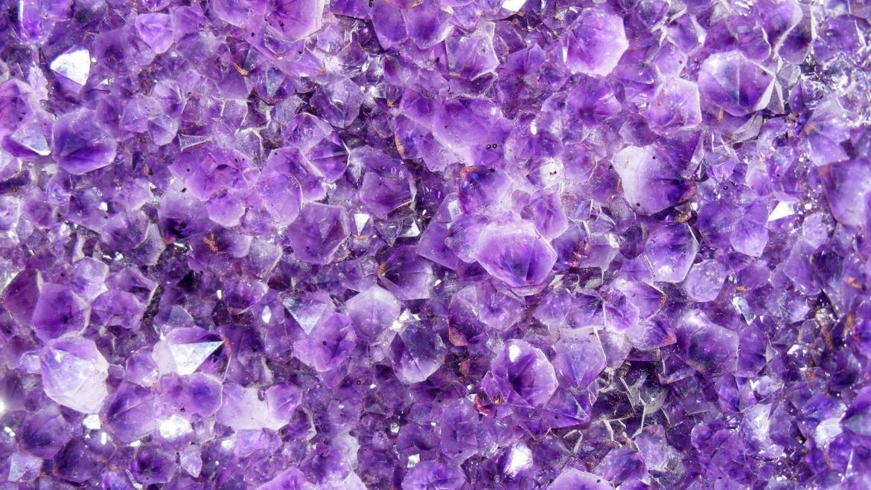 O Ultra Violeta é a Cor Do Ano e Não é Por Acaso Que é Uma Cor Espiritual e Expansiva!